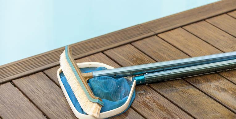 nettoyage fond de piscine le nettoyage d une piscine hors sol surface parois et nettoyage de. Black Bedroom Furniture Sets. Home Design Ideas